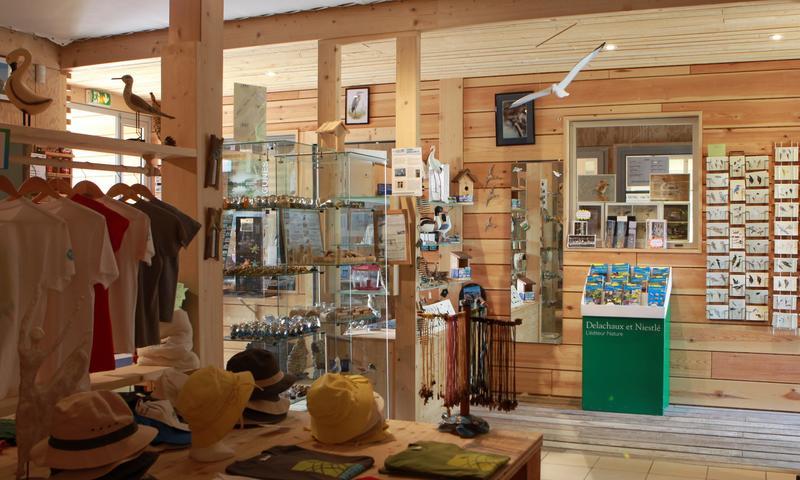 la boutique de l 39 oiseau infos pratiques mnba maison. Black Bedroom Furniture Sets. Home Design Ideas